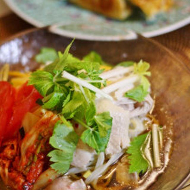 鶏肉とセロリの冷麺