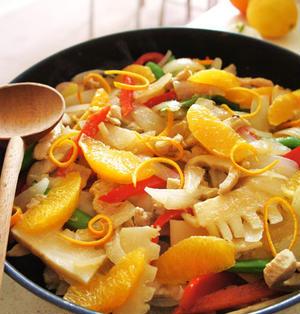 鶏胸肉と野春菜ココナッツオレンジ炒め