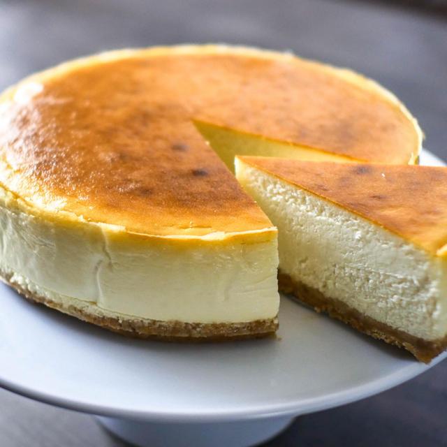 混ぜて焼くだけ 濃厚クリーミーなニューヨークチーズケーキの作り方