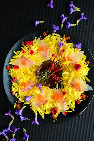 お祝いの日に。鯛と食用菊のカルパッチョ風