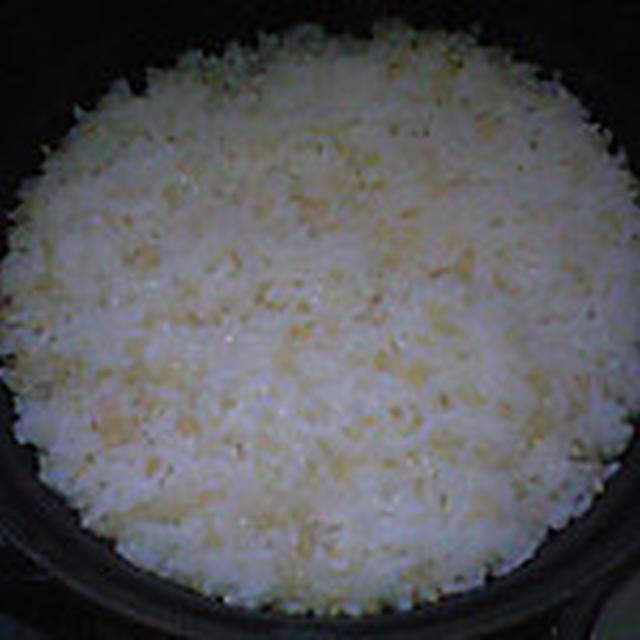 湯立てで白米(947)。。。北海道石狩平野砂川産特別栽培米ゆめぴりか・白米(あいざわ米店)と茨城県産うまかっぺコシヒカリ玄米・新米(あいざわ米店)