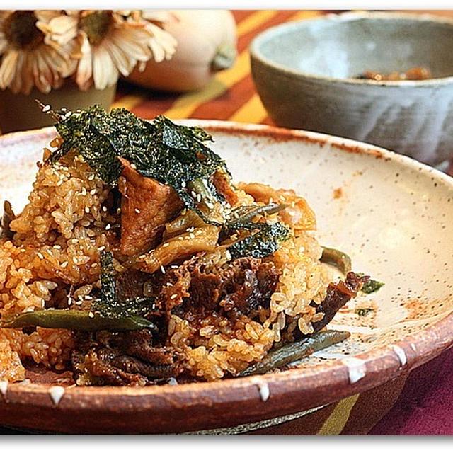 ダシダで牛肉と厚揚げの韓国風マヨキムチ炊き込みおこわ