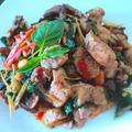 カンボジア家庭料理 鶏肉の香草炒め