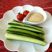 「野菜ディップ」の人気検索でトップ10入り★【材料2つ】野菜スティックに♡マヨ味噌ディップ♪