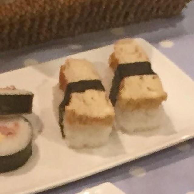 お寿司やさんの卵焼き