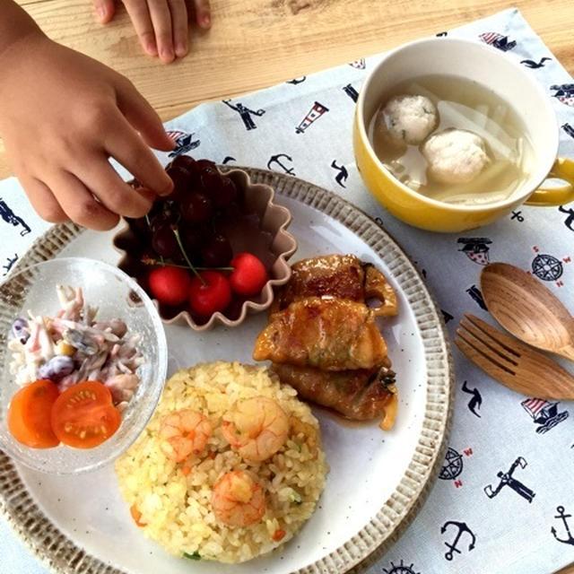 ささみとお豆腐のふわっふわつみれで野菜スープ♡ と 旅行に来ています。