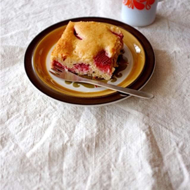 苺のヨーグルトケーキ。