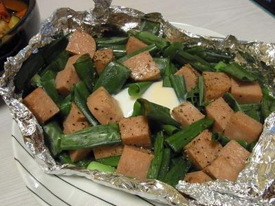 九条ねぎとスパムのホイル焼き・手羽中と夏野菜の和だしトマト煮