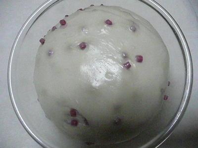 夜のウォーキングとベリーミックス酵母で粒ジャムパン