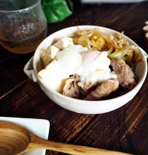 雪、雪、雪♪ と 豚肉で♪ガツガツ食べれる肉豆腐丼♡