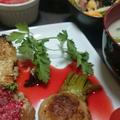 鶏肉ハーブソルトのビーツとトマトソース