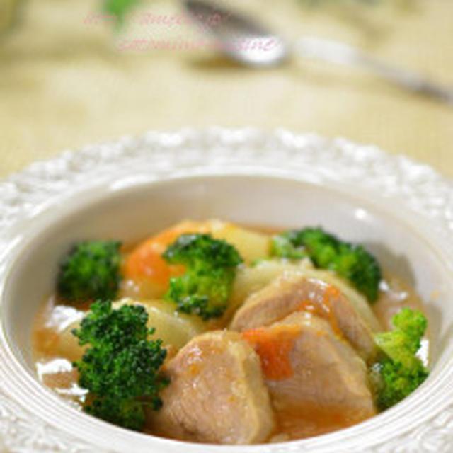 豚ヒレと大根のトマト塩麹煮込み✿ そして温まる煮込み料理もう1品♡