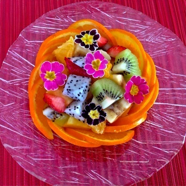お洒落なのに超簡単! エディブルフラワー(食用花)をのせた♡『オレンジバスケット』& ドラゴンフルーツの切り方 ☆