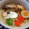 ヒガシマルうどんスープで簡単年明けうどん by とまとママさん