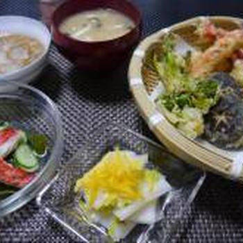 かにと山菜の天ぷら。