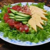 すし酢で簡単!普通の日にすぐ出来るお寿司は、たっぷりグリーンのサラダちらし。