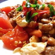 とうふとトマトの納豆炒め by おいしささん