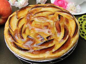 シャキシャキとした食感が爽やかな、「生」のりんごをアップルパイにしています。皮ごとりんごを使用してい...