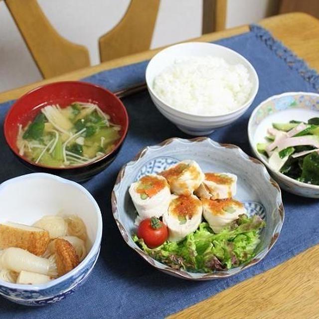 鶏ささみの蒸し巻きとスタミナ豆腐サラダとこんにゃくとさつま揚げの煮物でうちごはん(レシピ付)