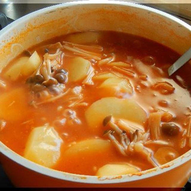 レタス・トマトチーズ鍋~新しい美味しさ発見!