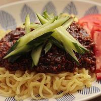 「ピリ辛ジャージャー麺」