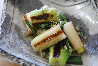 365日野菜レシピNo.40「焼きねぎのカリカリじゃこ和え」