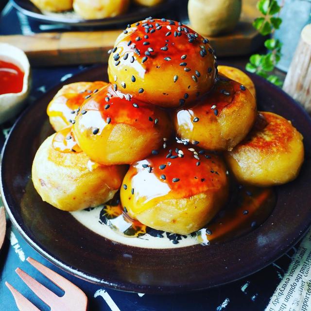 さつま芋の美味しい季節がやってきた❤️焼き芋を使ってもちもちさつま芋餅♪大学芋風❤️