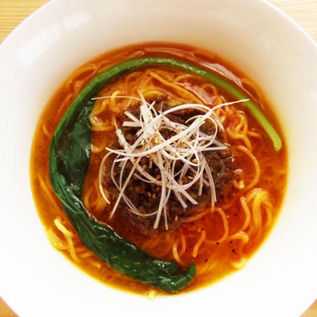 豚骨スープの濃厚担々麺