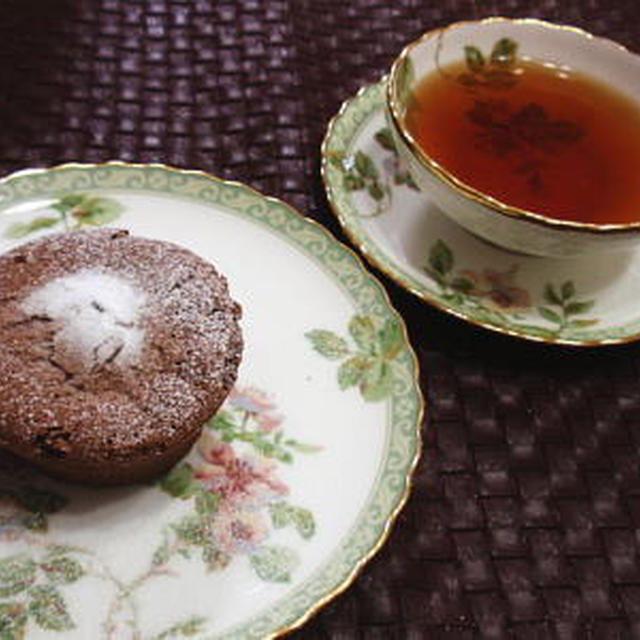 バレンタイン用♪フォンダンショコラ風☆簡単濃厚チョコレートケーキ(レシピ付)