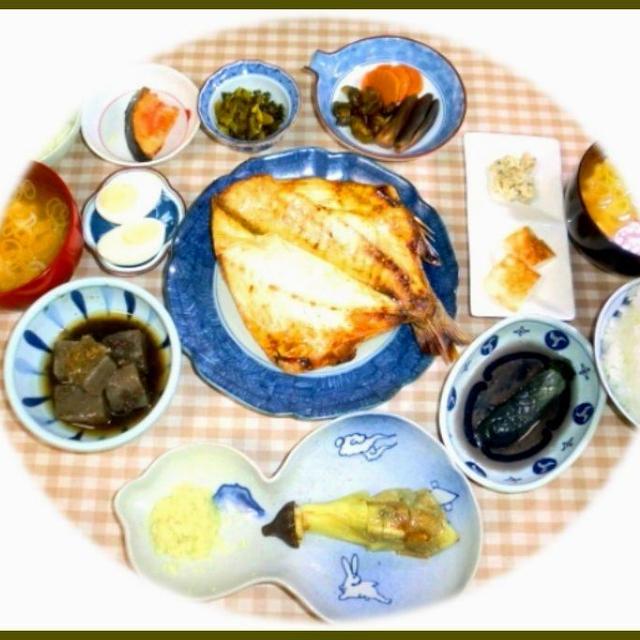残り物消化の朝ご飯