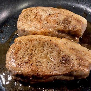 【低温調理】分厚い豚ロース肉のステーキ