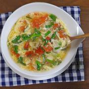 【時短おかずスープレシピ】フライパンで簡単!鶏肉とトマトのニラ卵とじとろみスープ
