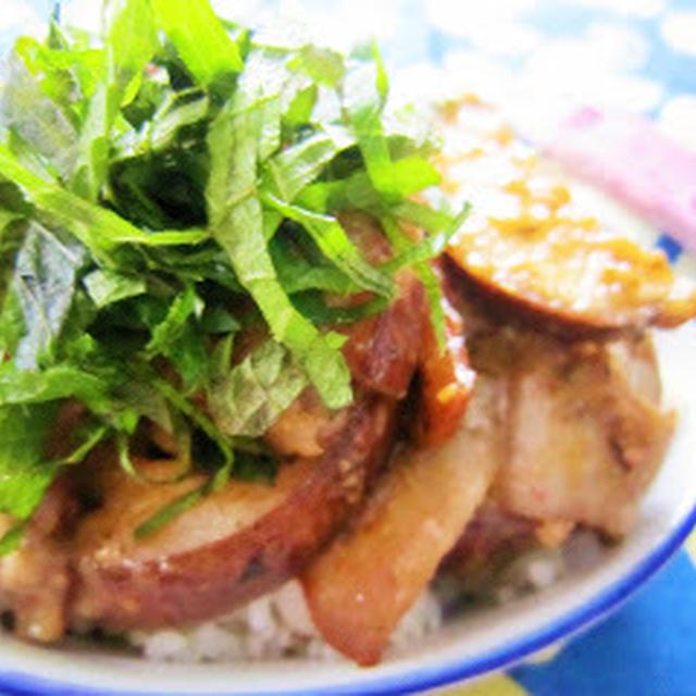 [ダブルで梅が香る]茄子と豚肉の梅味噌炒め丼/夏休みの簡単ランチ♪