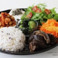 雑穀米と常備菜のワンプレートごはん、アレンジいろいろ