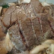 野郎飯流・九条ネギときのこと牛ステーキ土鍋蒸し