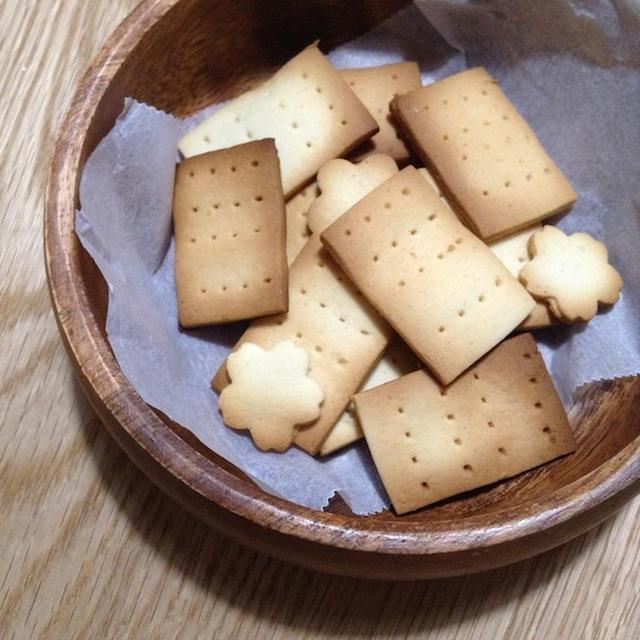 子供と一緒に短時間お菓子を作る 「ハチミツクッキー」
