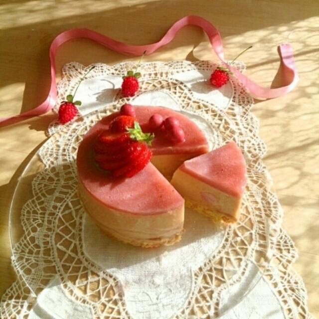 苺カスタードヨーグルトのケーキ