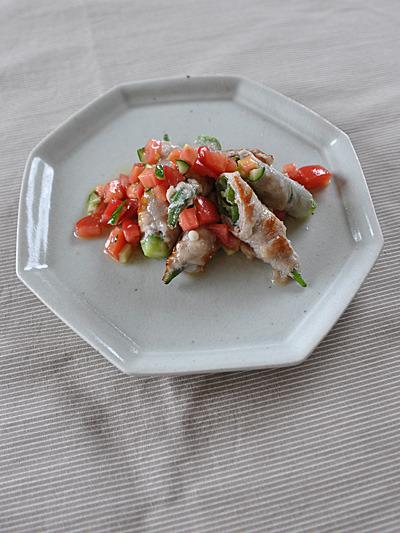 オクラ肉巻きトマトきゅうりソース