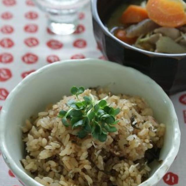 「梅と塩昆布の炊き込みご飯(レシピ)」と居酒屋メニュー