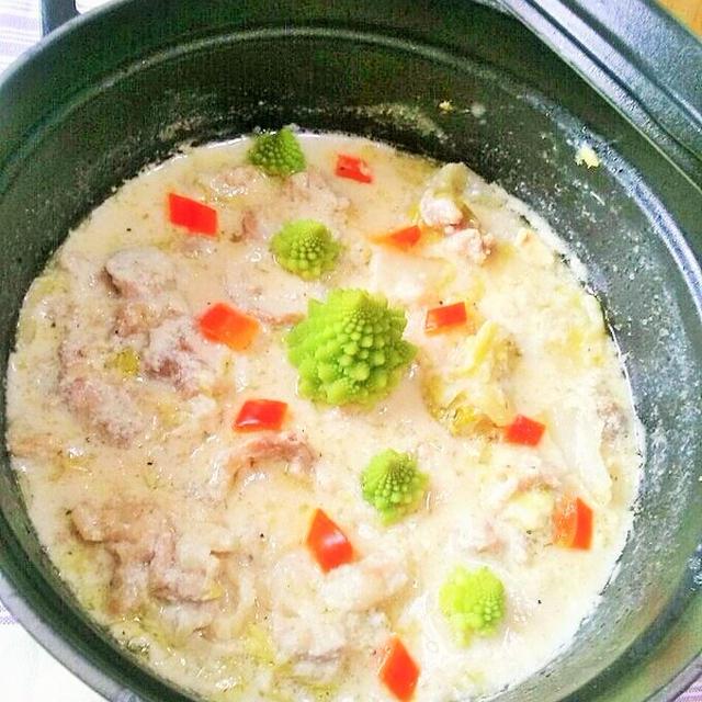 生姜と酒粕でポッカポカ・コトコト時間が短いのも嬉しいね♪白菜と豚コマの酒粕シチュー