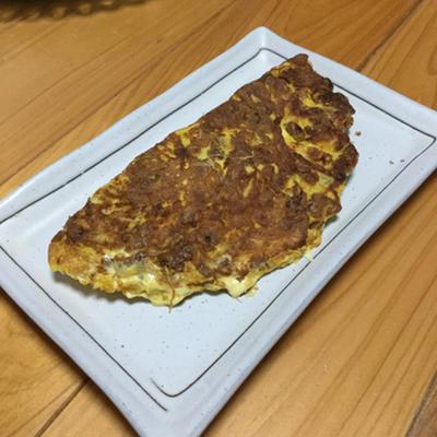 鰹節とマヨがアクセント☆我が家の納豆オムレツ