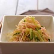 もやし中華サラダ。(常備菜に)と鍋のごはん。