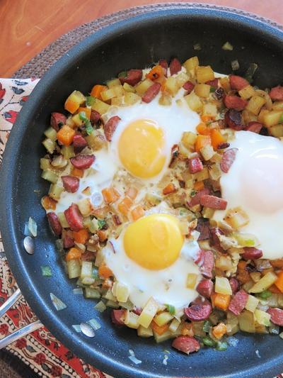 朝食/ランチのソーセージ&ハッシュ