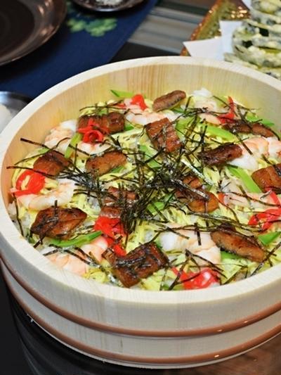 五目寿司とお化けズッキーニの天ぷら
