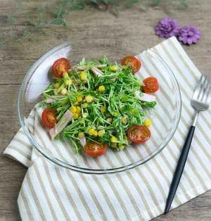 【レシピ】和えるだけ、豆苗とコーンのマヨポンサラダ