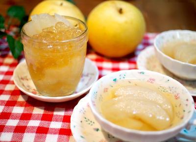 爽やかな初秋のスイーツ「梨のコンポートゼリー」
