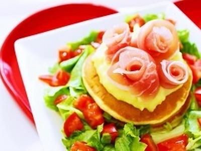 >生ハムのバラとサラダパンケーキの作り方レシピ【かわいいパンケーキ】 by 和田 良美さん