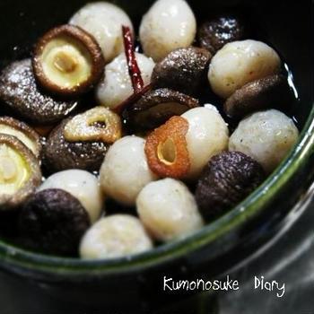 玉こんにゃくと椎茸のアヒージョ。