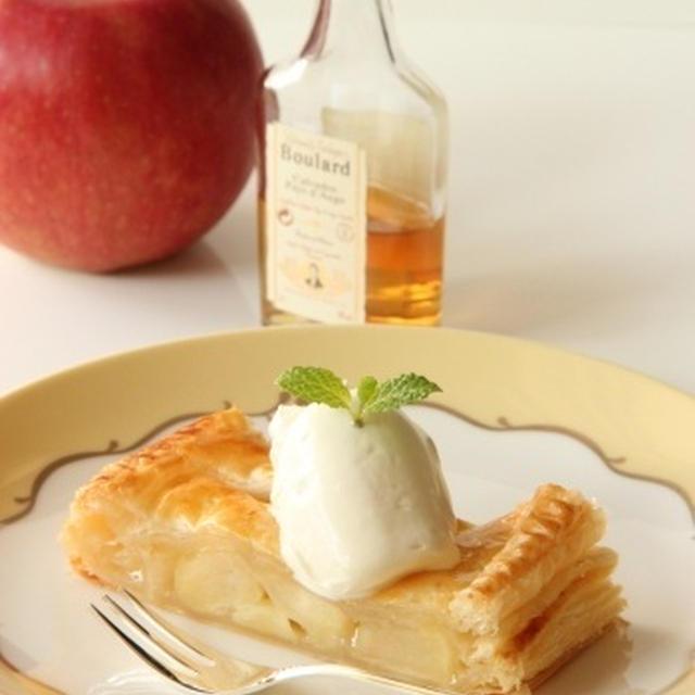 生クリームdeキャラメルアップルパイ ~簡単アップルパイレシピ