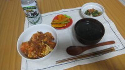 海老チリたまご丼